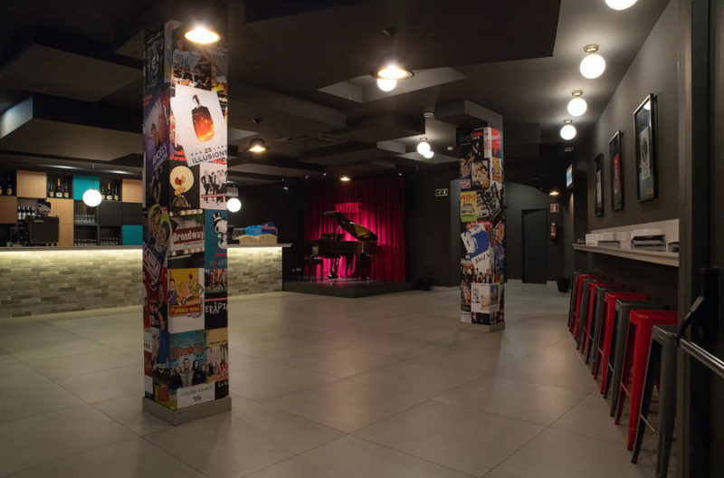 club onyric teatre musical barcelona