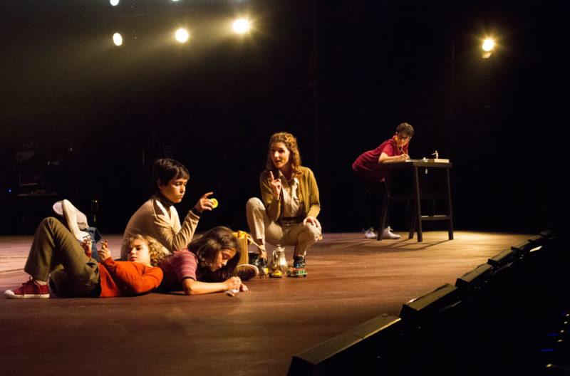 fun home musical barcelona onyric teatre condal